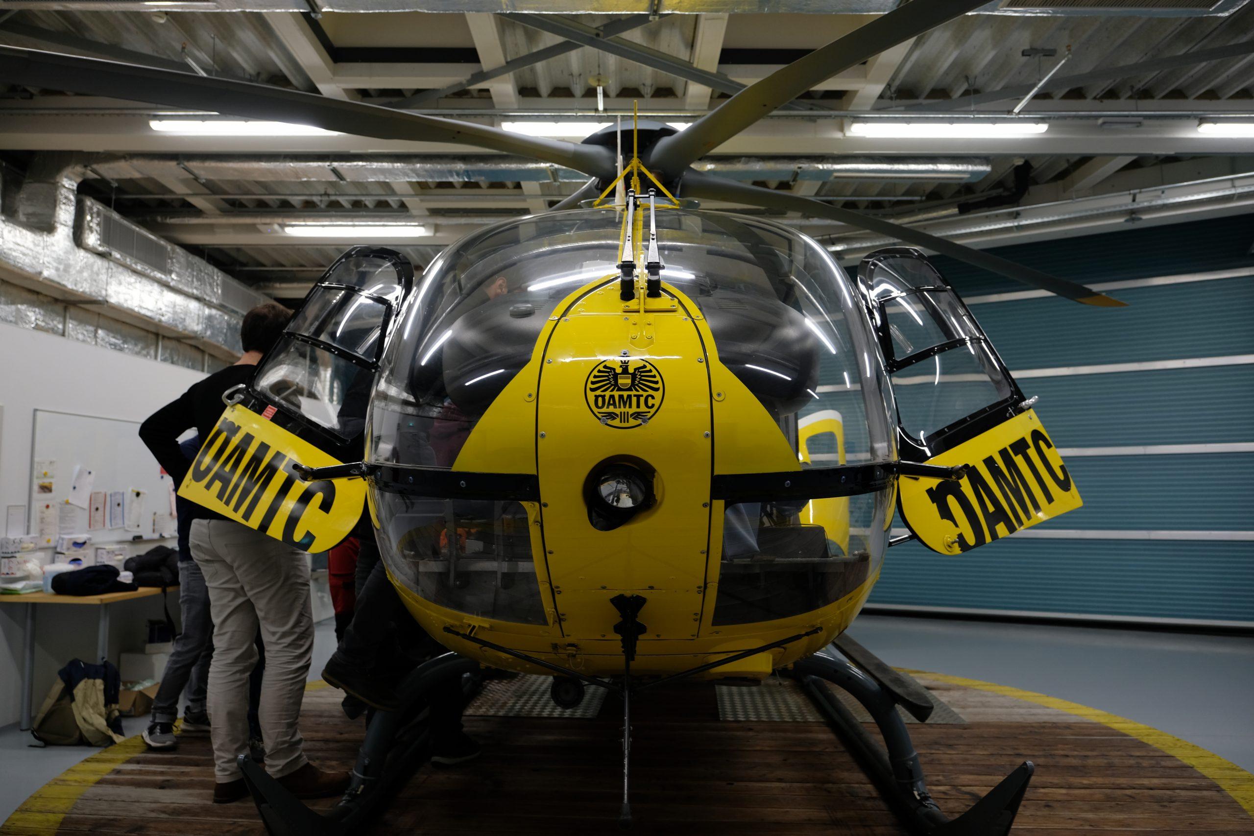 Frontansicht des Hubschraubers